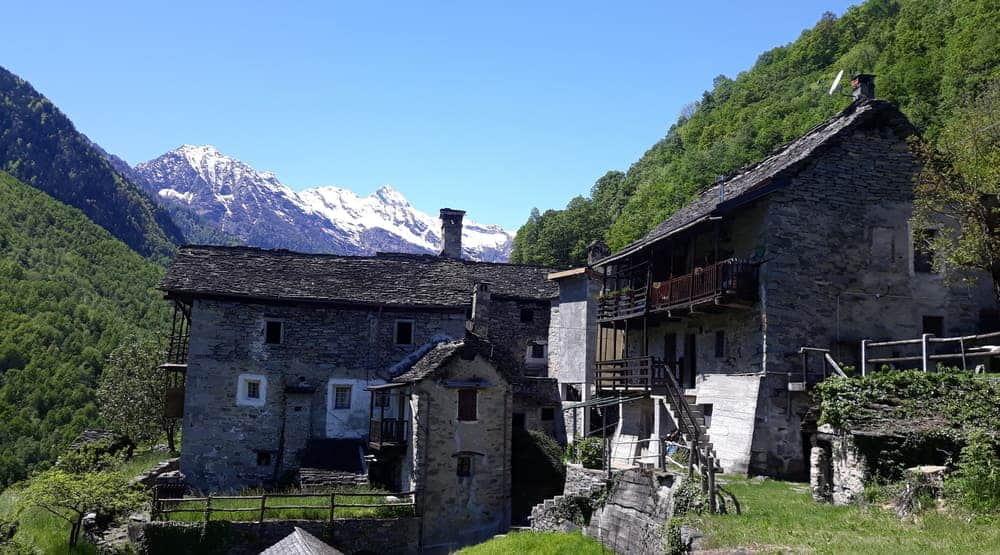 cheap houses in italy